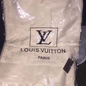 LV Collection scarf
